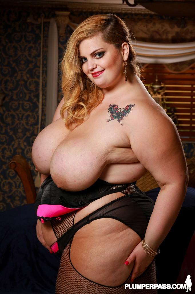 Huge boob bbw sashaa juggs fucks big black cock 9