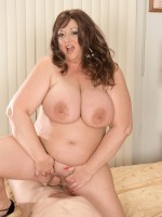Horny plumper Jammin' Jenny gets all her horny holes stuffed with hard cock at feedherfuckher.com