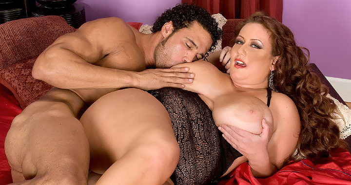 Gorgeous Rose Valentina takes a hung stud to bed