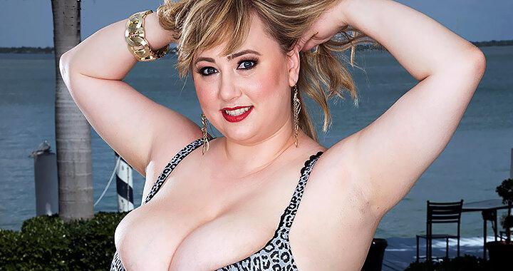 Busty plumper Laddie Lynn brings her sexy to plumper-love.com