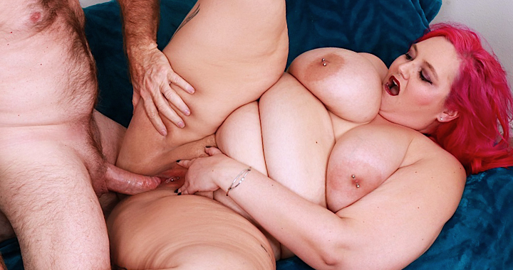 Gorgeous plumper Sara Star takes a hard fucking from hung stud J Crew